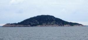 Island-of-Bla-Jungfrun